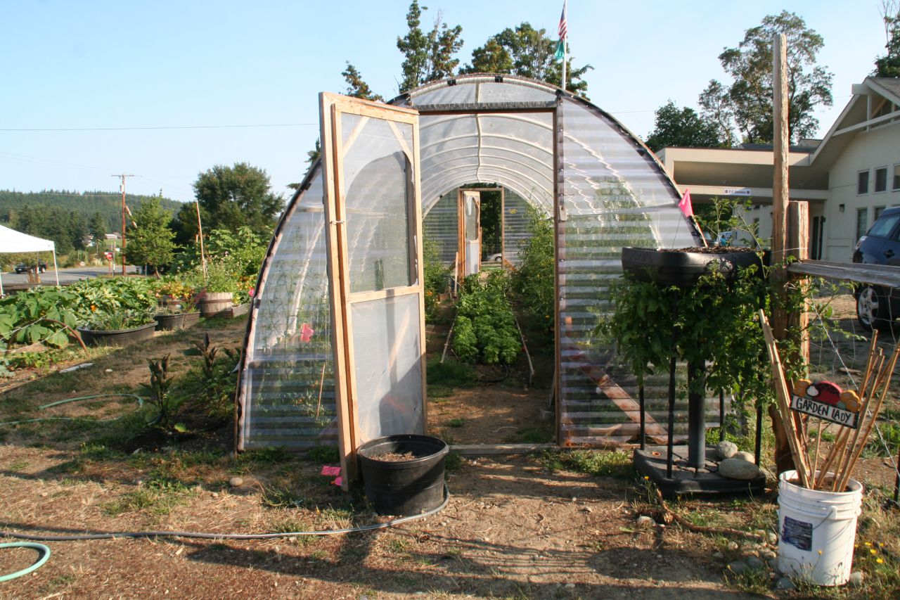Greenhouse built especially for tomatoes, which are difficult to grow in the Northwest